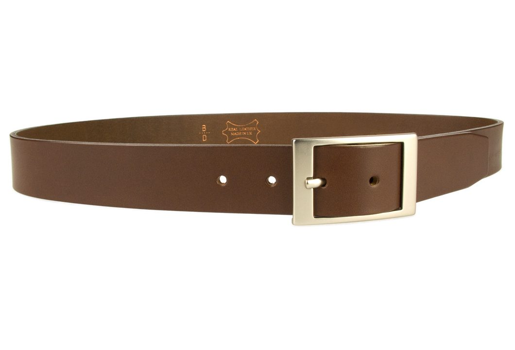 Mens Quality Leather Belt Made In UK - Brown - 1 3/8 inch Wide | Hand Brushed Nickel Plated Center Bar Buckle - Right Facing Image