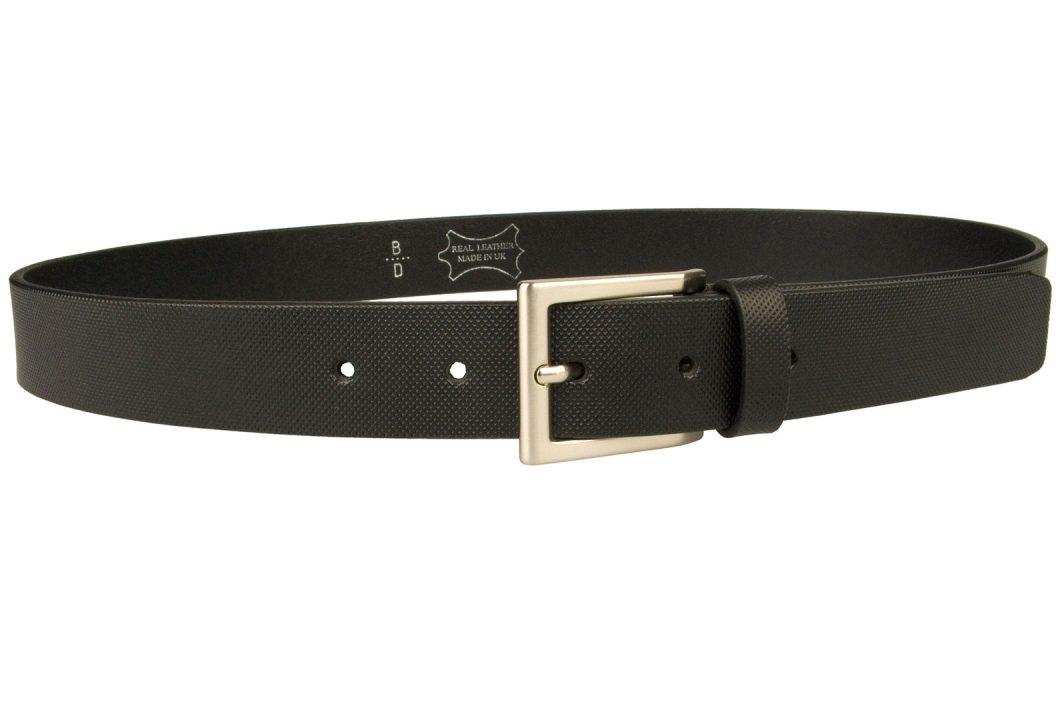 Engineering Knurl Pattern Belt. Black Leather Belt 1 3/16 inch (3cm) Wide Approx. Ideal For Suits and Smart Pants. Made with Italian Full Grain Vegetable Tanned Leather. Italian made hand brushed nickel plated buckle. Made In UK By British Craftsmen. Long Lasting 4mm thick leather.