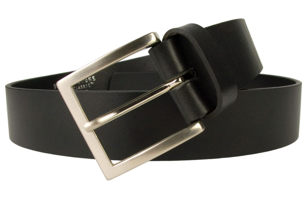 Mens Smart Black Leather Jeans Belt. 1.57 inches wide (4cm) approx. Made In UK By British Craftsmen, Superior Quality Full Grain Italian Leather. Approximately 4mm thick. Italian Made Hand Brushed Nickel Plated and Lacquered Buckle.